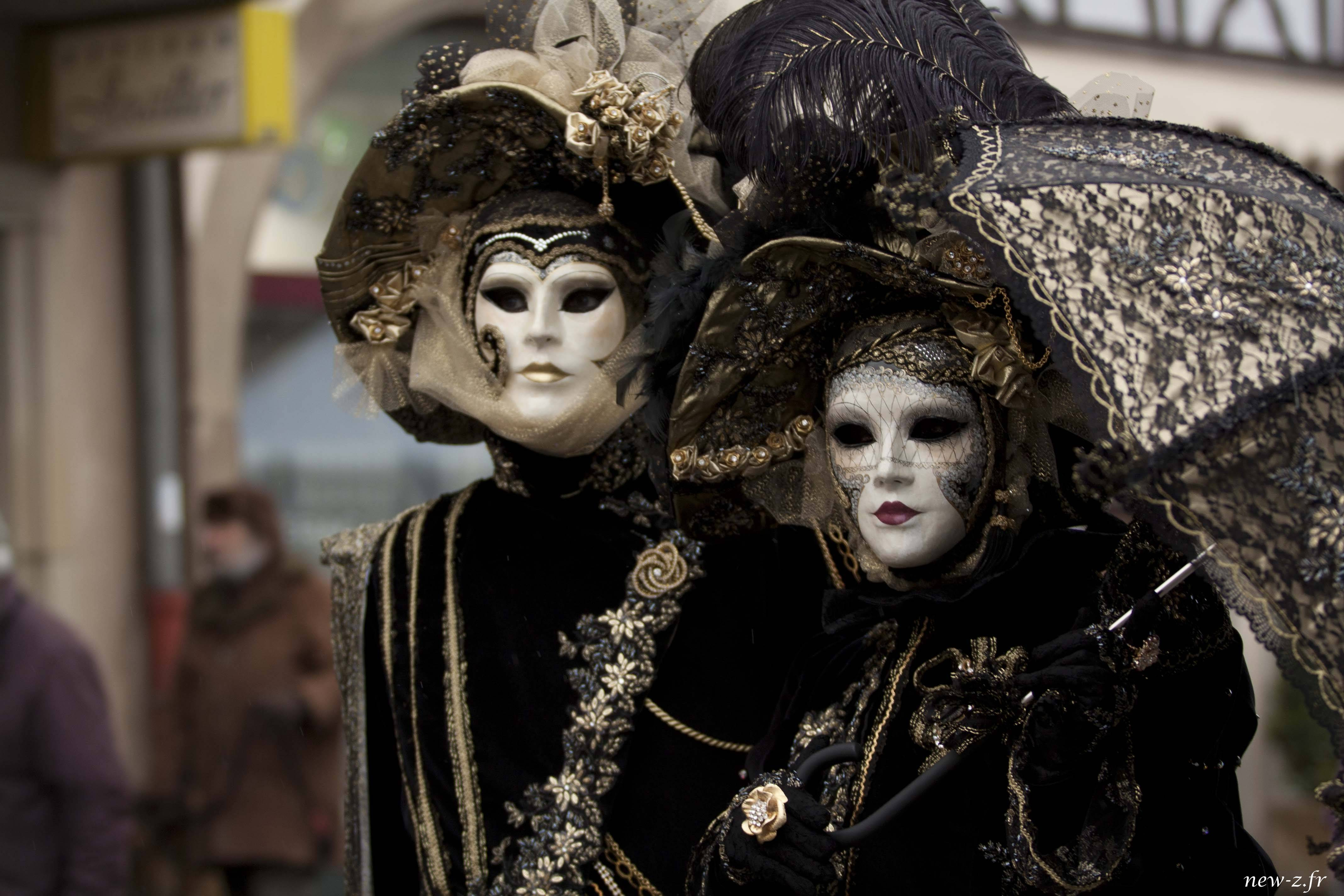Reportage photographique de portrait au carnaval vénitien de Rosheim réalisé par Alexis Zimmermann Photographe Professionnel à Strasbourg en Alsace